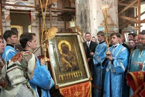 Молебен перед Оранской чудотворной иконой Божией Матери. 2005 г. Фото Г.М.Ликина