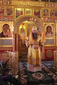 Митрополит Георгий в сослужении с митрополитом Ставропольским и Невинномысским
