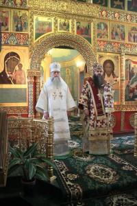 Митрополит Георгий совершил Божественную литургию в храме Рождества Иоанна