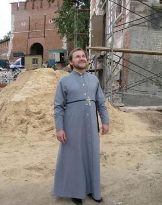 Настоятель возрождающегося храма иерей Дионисий Соловьев. Фото с сайта Нижегородской епархии.